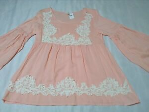 Nwt entro blouse top shirt peasant peach cream lace applique