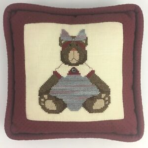 Vintage-Finished-Completed-Cross-Stitch-Throw-Pillow-Teddy-Bear-Kitsch