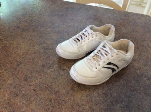 Chasse Girl's Size 4.0 Cheerleading Shoes in white with blue side stripes