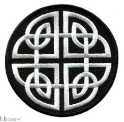 """CELTIC KNOT EMBROIDERED PATCH  6CM Dia (2-1/4"""" Dia)"""
