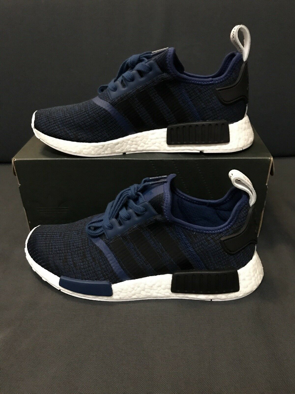 Adidas NMD R1  Mistero blu  presa di fabbrica