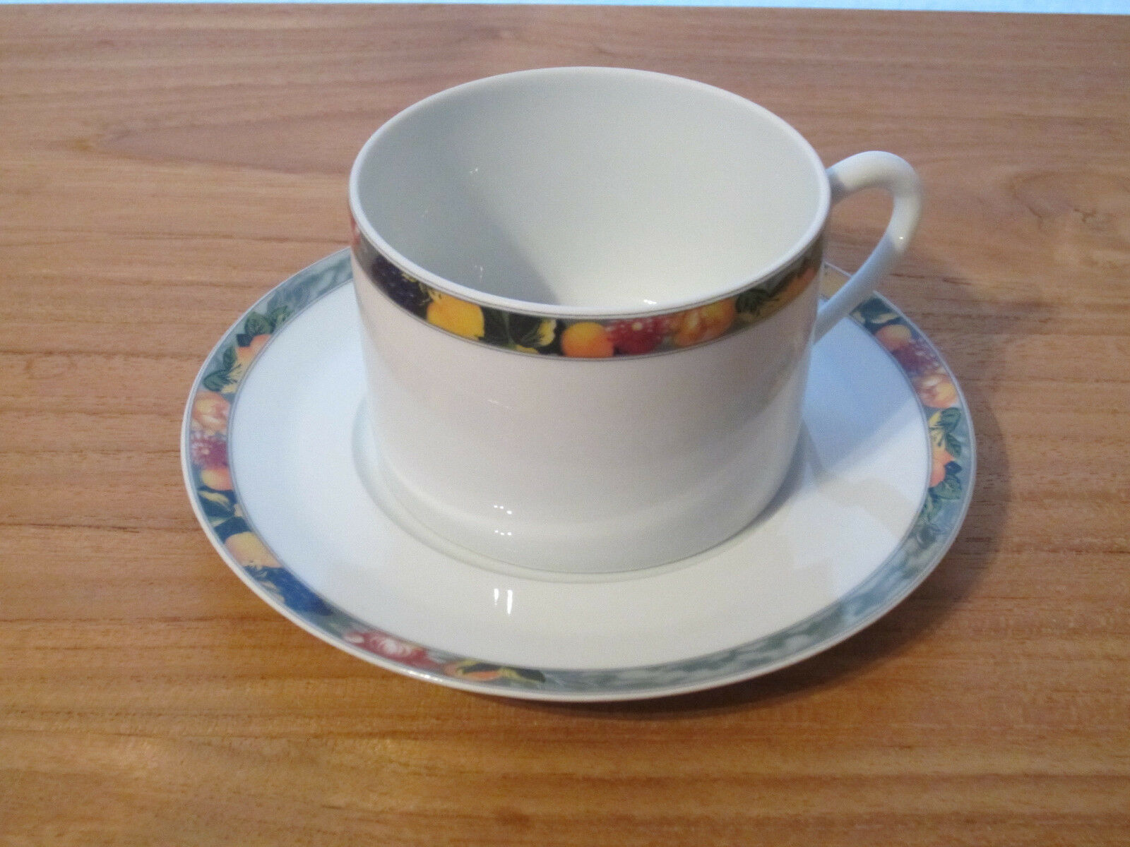 PORCELAINE CNP NEW OXFORD VERGERS 1 tasse + soucoupe 1 cup