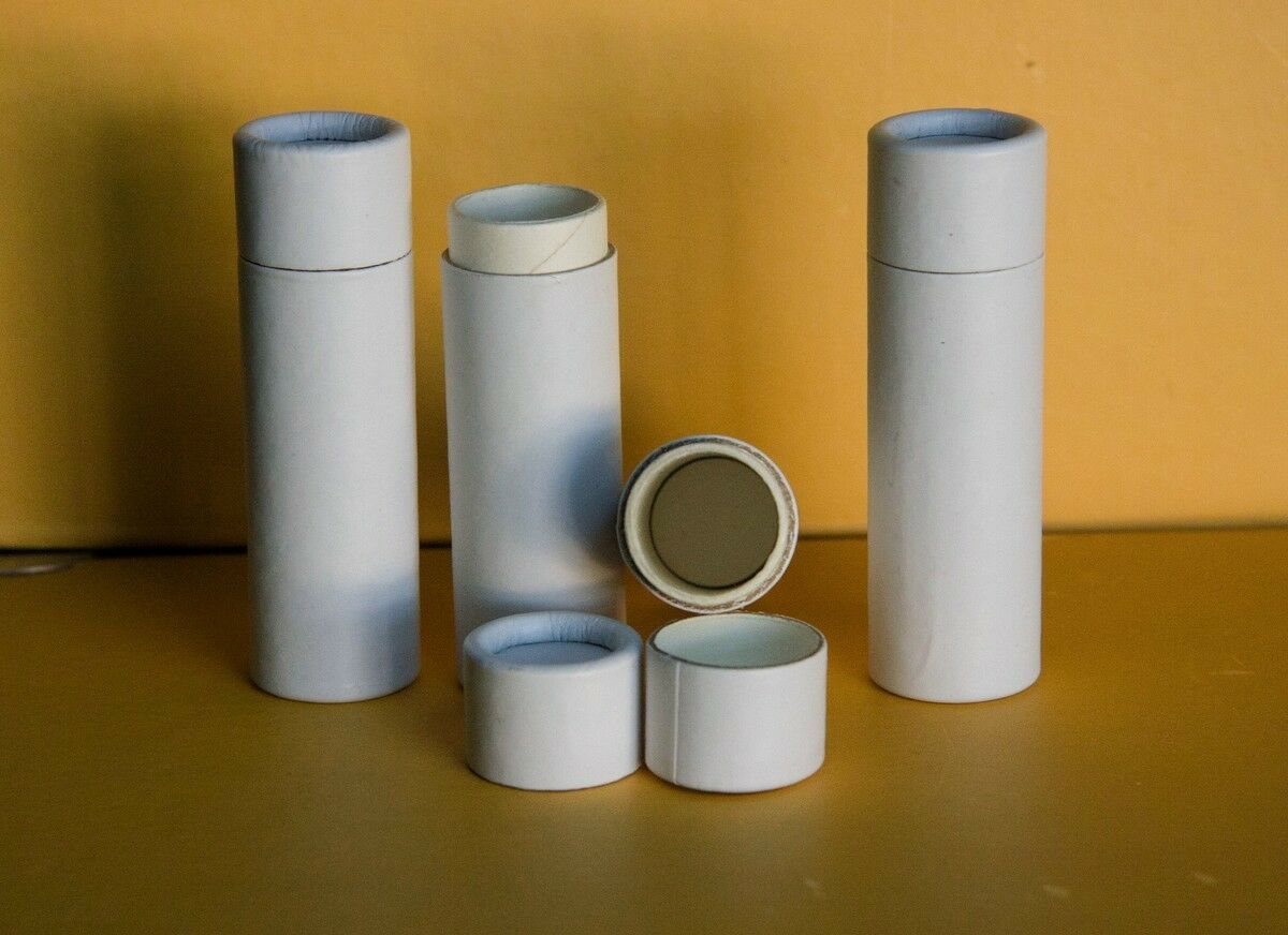 100 blanc Oil Proof Paper Lip Balm Tubes .3 oz 1 3 voiturougeboard Containers