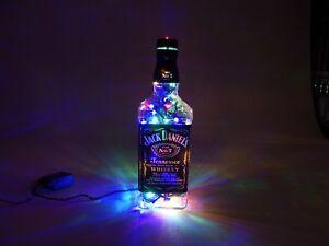 Jack-Daniels-Flaschen-Lampe-mit-80-LEDs-220V-Bunt-UND-Warm-Weiss-UMSCHALTBAR