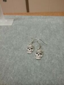 Day-of-the-dead-sugar-skull-earrings