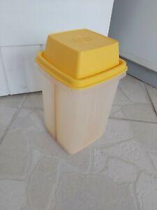 Boite à cornichon tupperware  jaune carré haute ancien modèle
