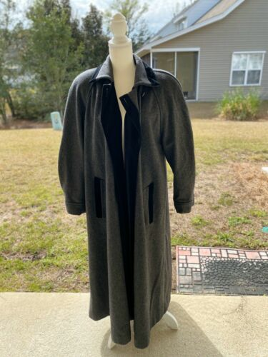 Long Wool and Velvet Trim Pappagallo Jacket 10