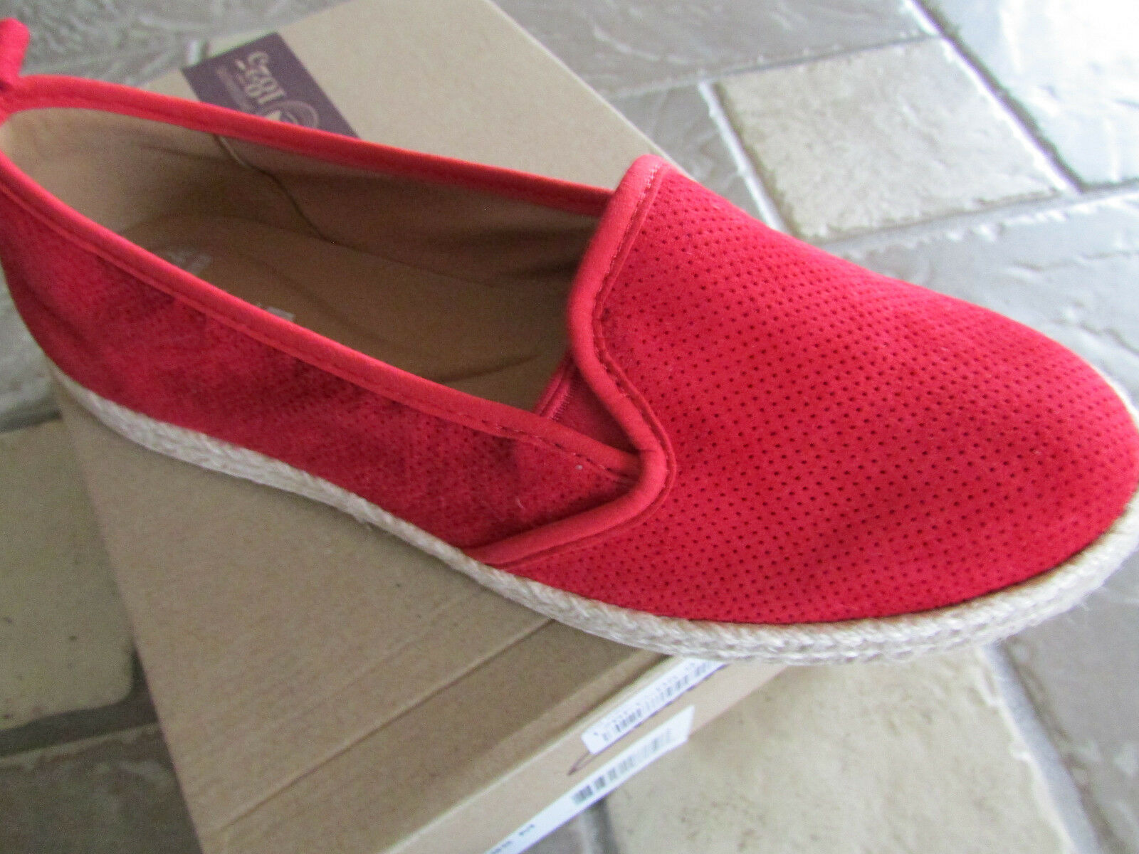 NEW CLARKS AZELLA rouge PERF LOAFER chaussures femmes 9.5 SUEDE SLIP ONS FREE SHIP