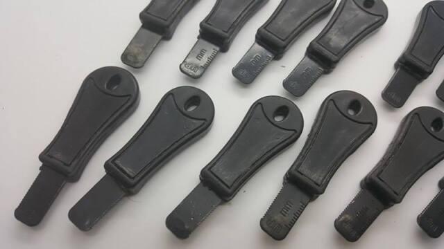 BOB  ORANGE 25 Rod Striker//Scraper Blade Firesteel Ferro Flint Ferrocerium EDC