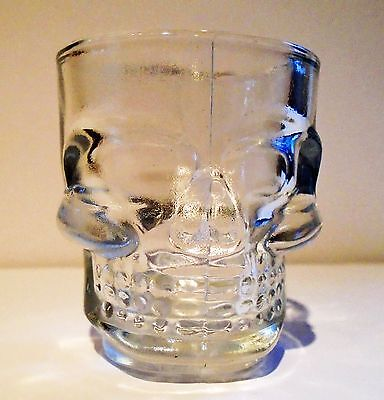 2 x shot glasses with skull great for parties gifts halloween or barbeques bbq