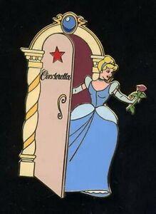 Disney Auction Cinderella Le 500 Authentic Disney Pin On Original Card Ebay