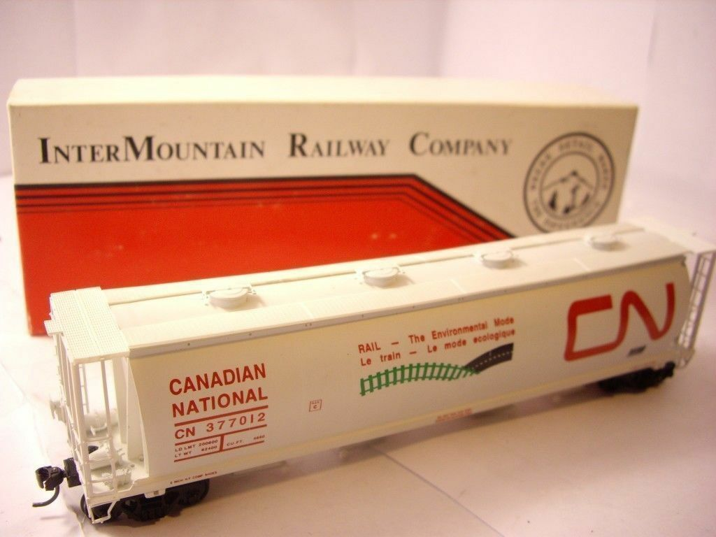 HO Intermountain grain Hopper Canadian National 377012 4-bay covered BOXED CNEM