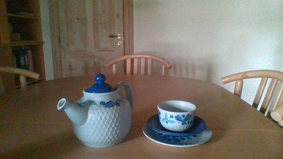 Keramik, Thekande og 4 thekopper med kagetallerkener,