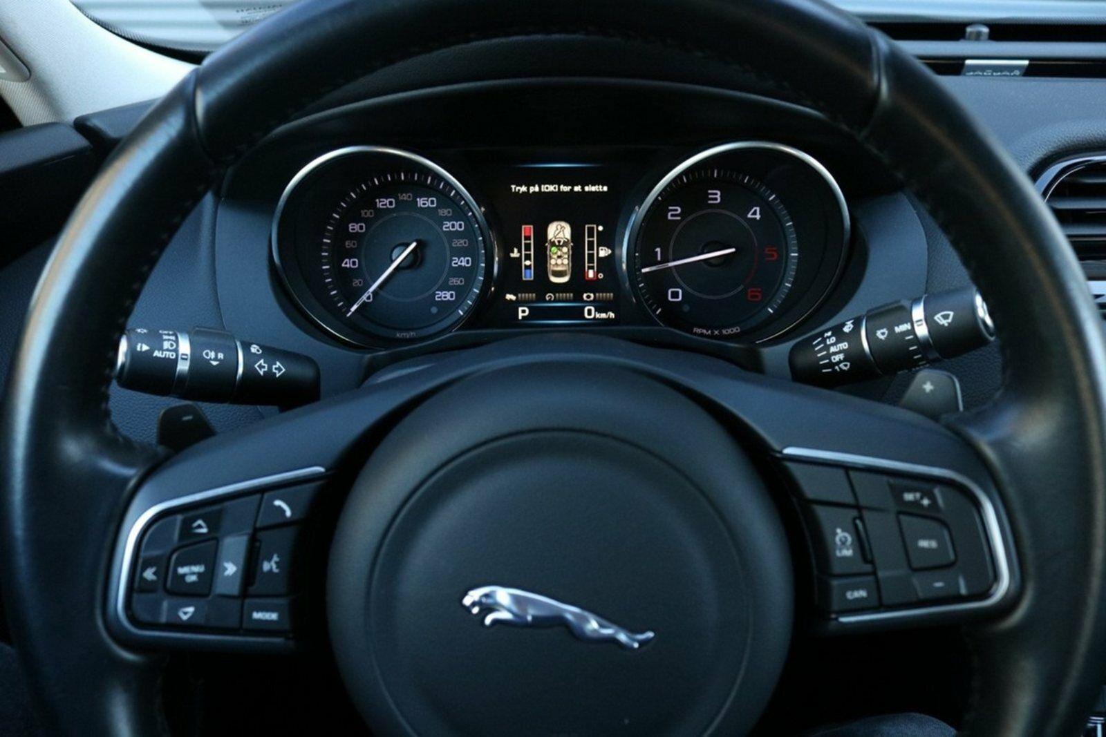 Jaguar XE D180 Pure aut.