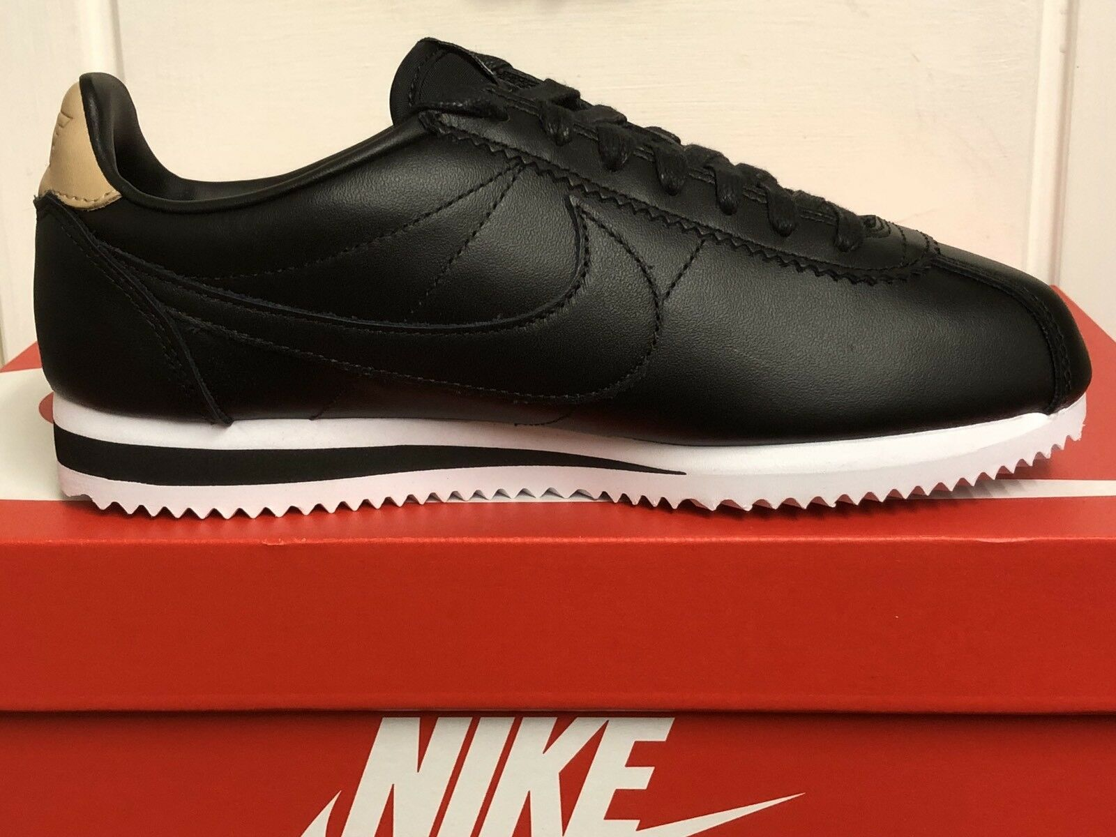 NIKE CLASSIC CORTEZ Homme Leather SE Homme CORTEZ Trainers Sneakers Chaussures5,5 EUR 38,5 f5e8dd