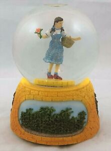 Wizard-of-Oz-Dancing-Dorothy-Musical-Snow-Globe-We-039-re-Off-to-See-the-Wizard