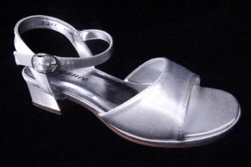 Foxy White Dyeable Satin Children/'s Sandals