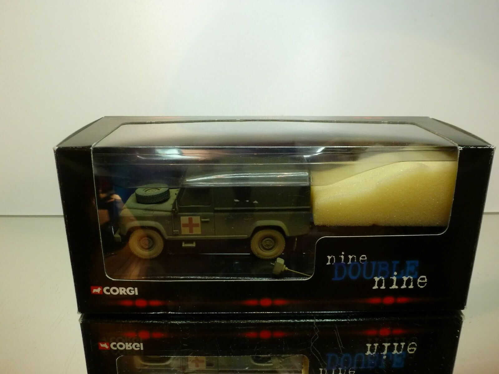 CORGI SpielzeugS CC07714 LAND ROVER DEFENDER & TRAILER - ARMY Grün - EXCELLENT IN BOX