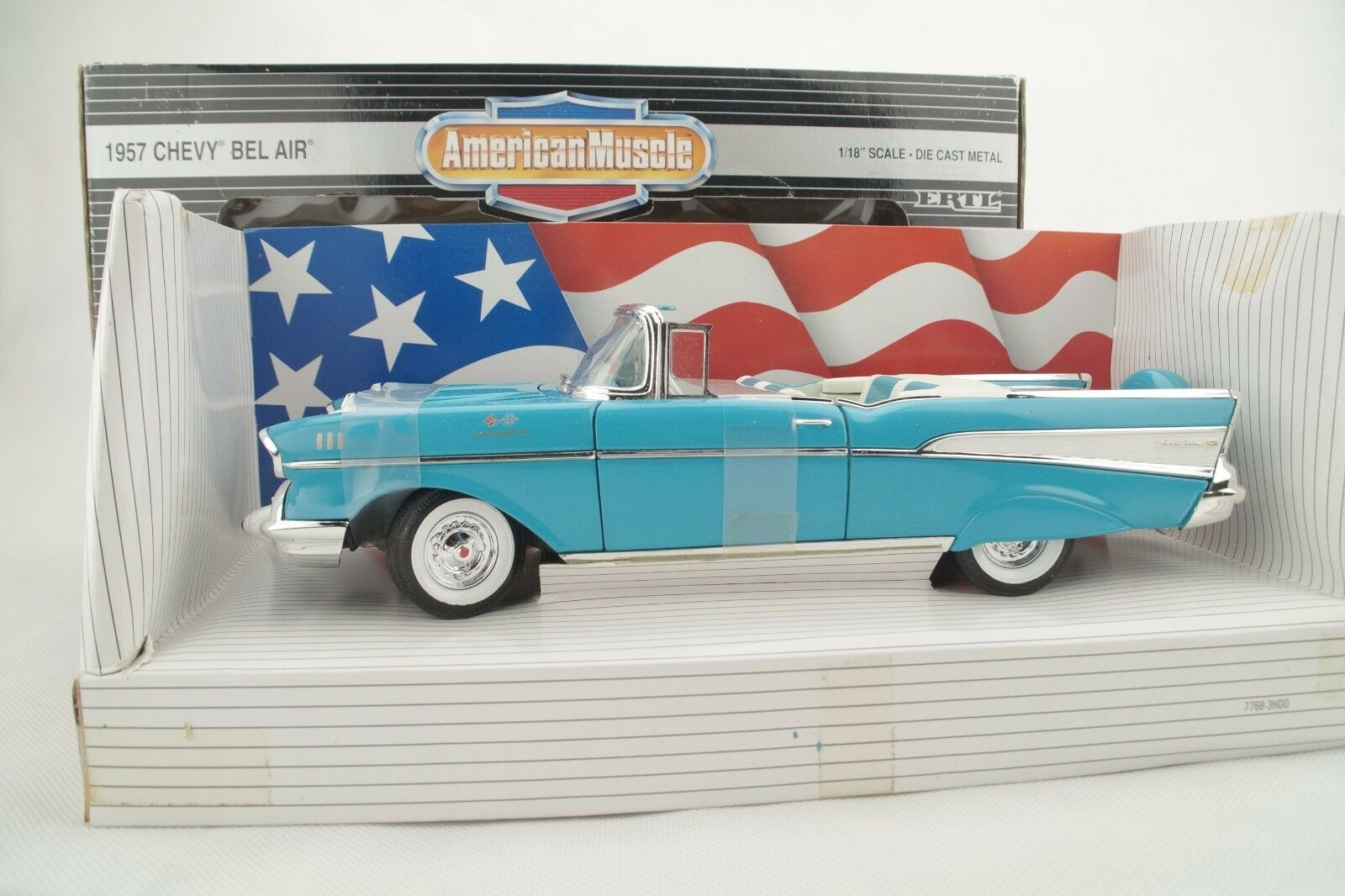 1 18 ERTL - 1957 Chevy Bel Air Collectors Edition-bluee-RARE-NEW OVP