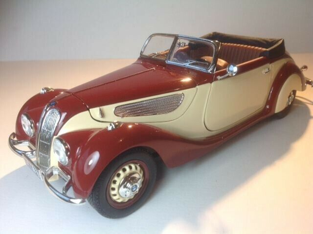 1 18 Scale 1937 BMW 327 2DR. Cabriolet Top Down in Bergundy\Tan by Guiloy Sealed