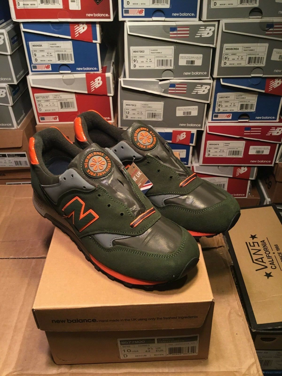 SALE NEW BALANCE 577 M577MOO Made In The UK RAIN MAC PACK SIZE 10 BRAND NEW