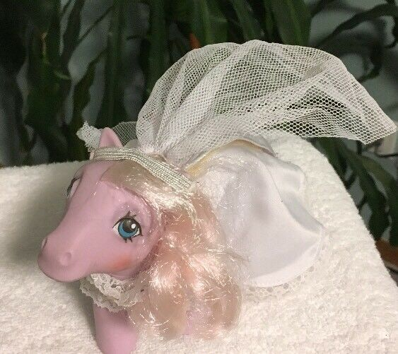 årgång Hasbro G1 Lavendel {65533;65533; n Lace My liten Pony With Wedding Gown, Veil, skor