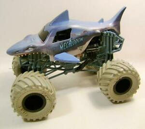 Megalodon Shark Jaws Exclusive Tires Monster Jam Truck 1 24 Hot Wheels 2020 Rare Ebay