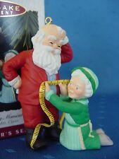 1993 HALLMARK Mr. and Mrs. Santa Claus A fitting moment CHRISTMAS ORNAMENT w box