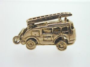 9ct-Yellow-Gold-Fire-Engine-Charm-Vintage-4-6-grams-Solid-Heavy-Charm-1964