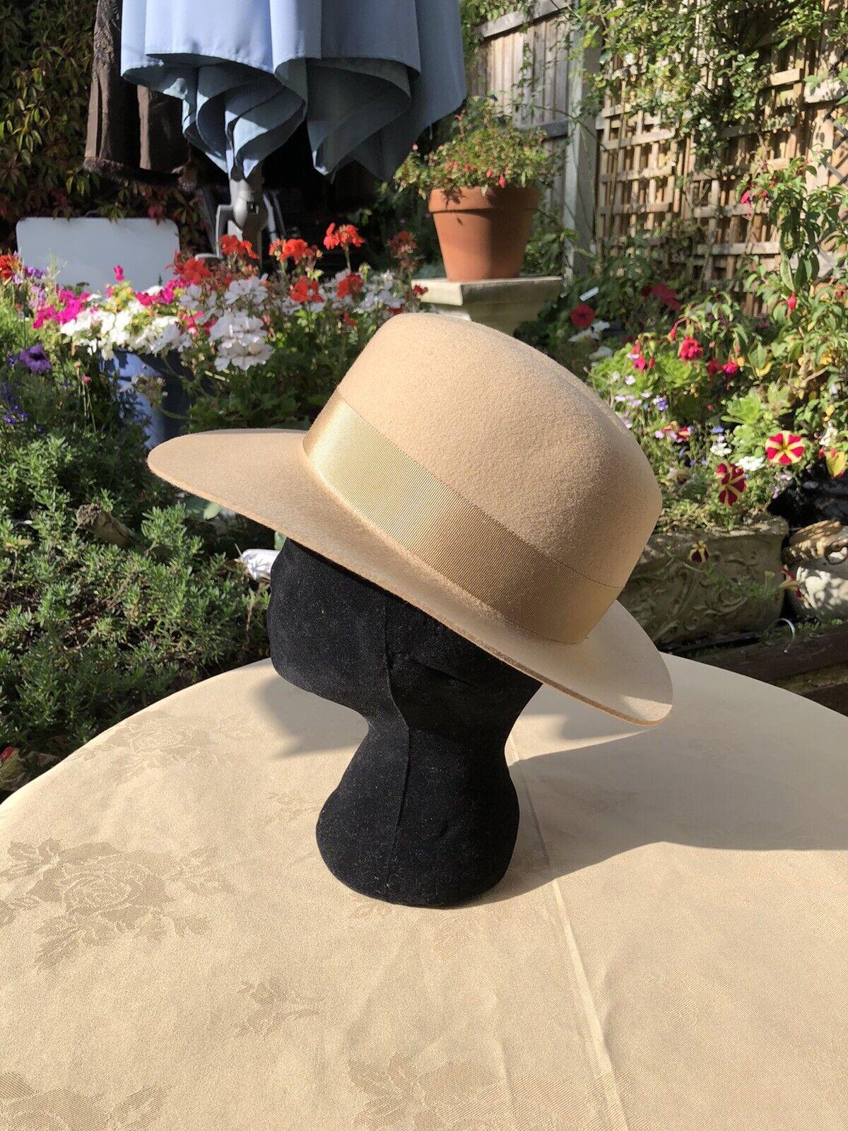pure wool Tun stunning Winter hat 55cm