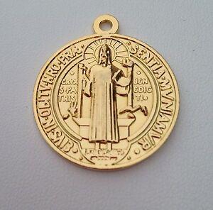 1f80b5e9deb Gold Filled Medalla Jubilar de San Benito De Oro Laminado De 18k ...