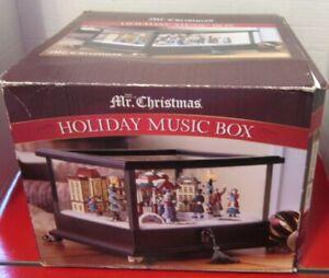 Mr-Christmas-Music-Box-Rotatiing-Skaters-50-Songs-25-Christmas-25-Year-Round