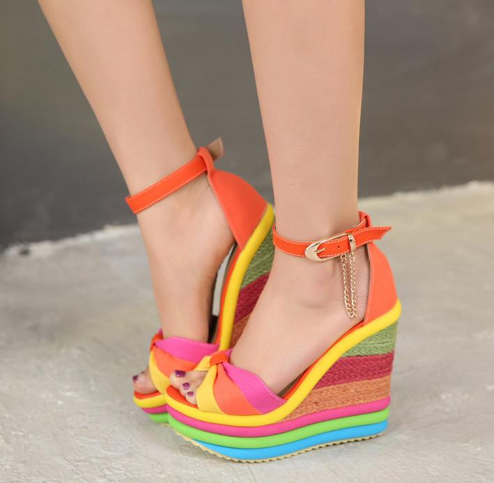 Roma Lady Open Toe Multifärger Iridescence Platform High High High Wedge klackar Sandaler Ny  det lägsta priset