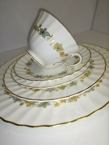 Royal-Doulton-Piedmont-pattern-Fine-China-Full-Cup-Saucer-Plate-5-pice-Set