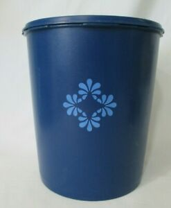 Vintage-Tupperware-Servalier-Canister-1339-3-Dark-Blue-2-Gal-25-Cup-GUC