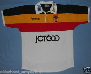Bradford BULLS / 2002 Home - BLOGGS - vintage MENS rugby Shirt / Jersey. Size: S - Poland, Polska - I can accept returns if the item turns out to be faulty or/and does not match the description. In this case, I will refund the full cost of the item. Moreover, if you simply want to return the item without giving a reason, you will have t - Poland, Polska
