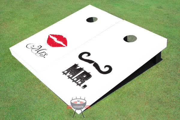 Mr. & Mrs. Wedding Weiß Cornhole Board Set