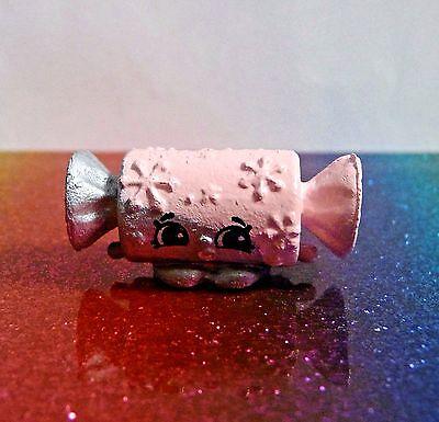 Shopkins Season 6 SAMMY SANTA HAT Pink Christmas Ornament Exclusive Mint OOP