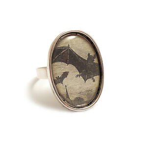 Vampire-bats-gothic-ring-silver-adjustable-Halloween-bat-Dracula-goth-wings