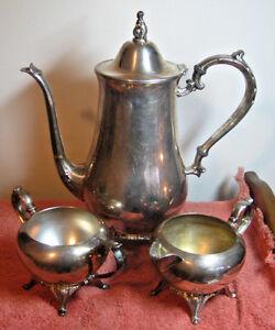 ONEIDA-Wm-A-ROGERS-3-Pc-Silverplate-Tea-Set-Coffee-Pot-Creamer-Sugar-Vintage-USA