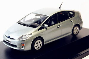 1-43-Toyota-Prius-Azure-Diecast-Car-Model-Toy-Collection