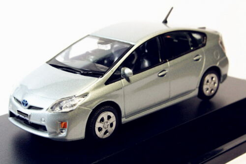1:43 Toyota Prius Azure Diecast Car Model Toy Collection