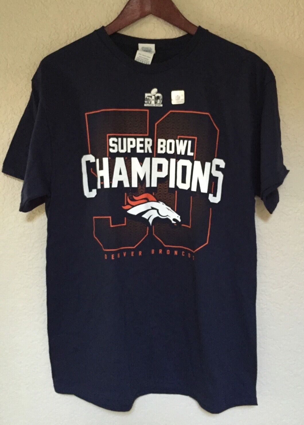 f8827a29 Denver Broncos Super Bowl 50 Champions Football Short Sleeve T-shirt Mens XL