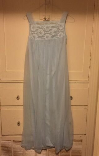 Vintage Henson Kickernick Blue Lace Nightgown, Lin