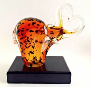 Art-Glass-Elephants-Heart-Trunks-on-Wooden-Base-Mouth-Blown-8-inches-Tall