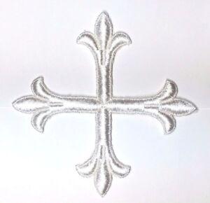 Vintage-Frances-Cruz-Fleury-Bordado-4-034-para-Coser-Blanco-Emblema-Parche-2PC