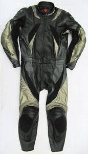 Neuwertige-DAINESE-Monza-Gr-46-Zweiteiler-Lederkombi-schwarz-gold-Leather-Suit