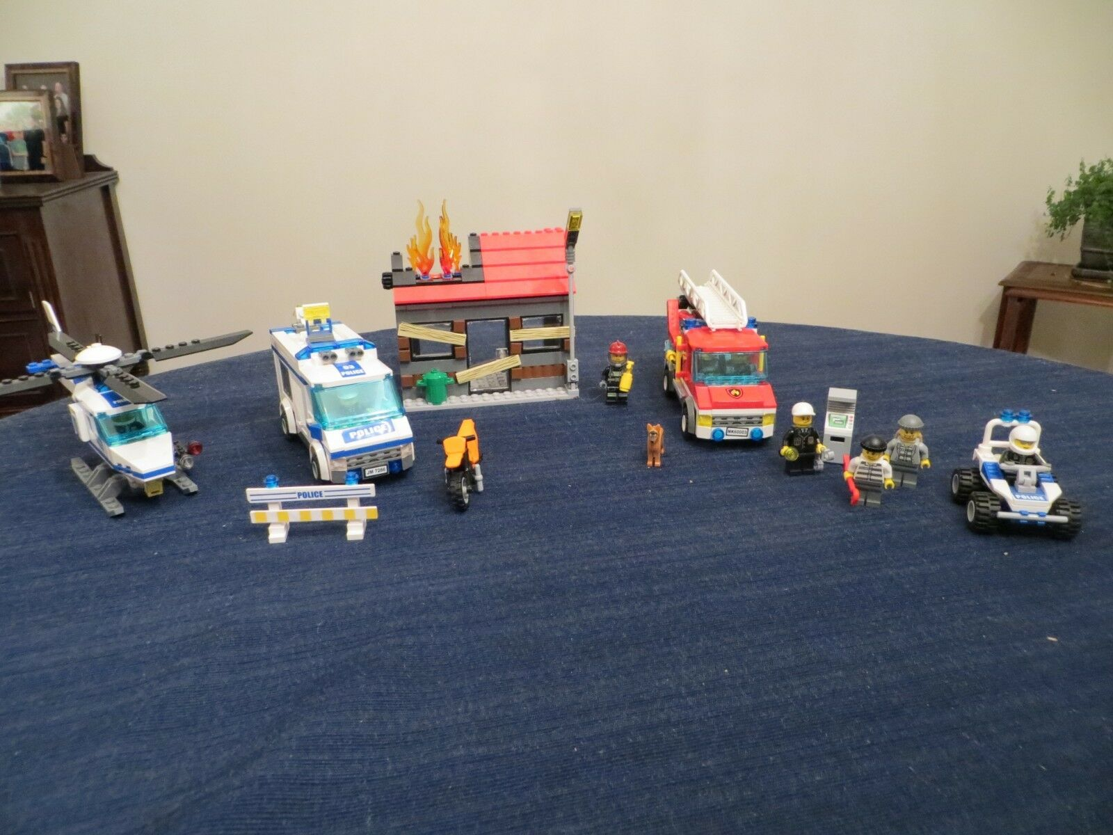 4 Lego City Sets   7741, 7279 7279 7279 ,60003, and 7286 55caf0
