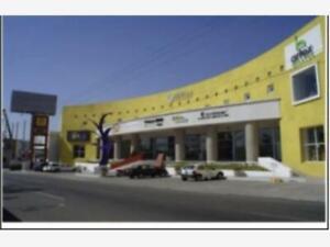 Local en venta en PB plaza comercial sobre Bernardo Quintana 200mts2 en Queretaro