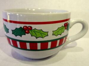 Christmas-Holiday-Soup-Bowl-Mug-handle-Holly-Leaves-Red-Berries-Vintage